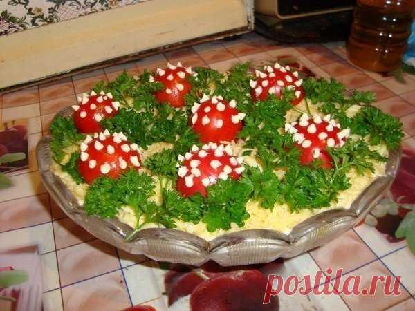 Яркий и невероятно красивый салат «Лесная поляна»