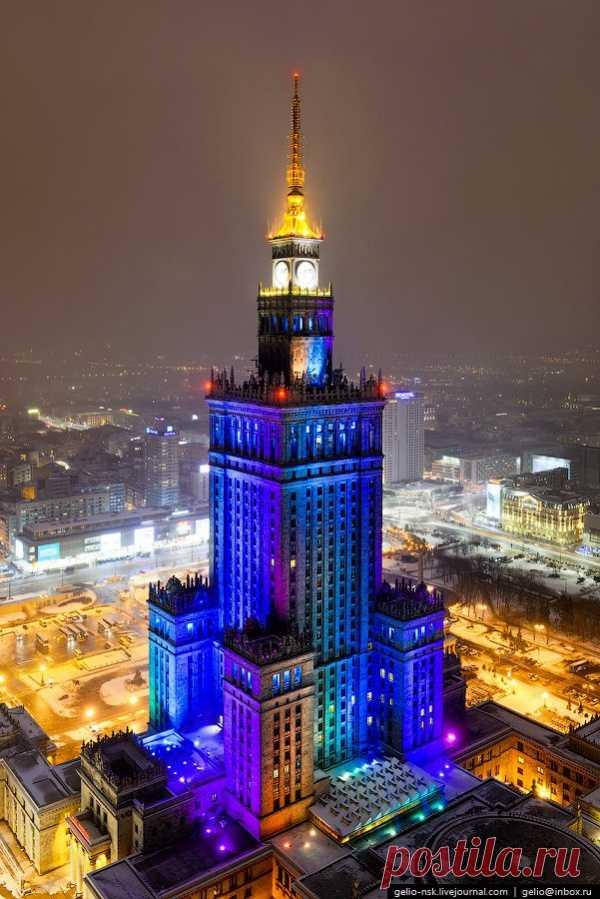 Яркие краски ночной Варшавы, Польша