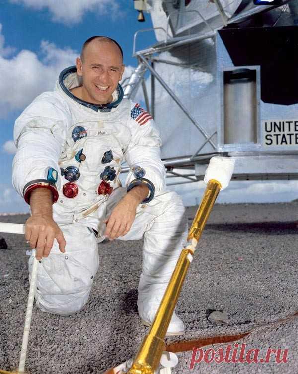 Четвертый человек на Луне: монолог астронавта Алана Бина | Рекомендательная система Пульс Mail.ru