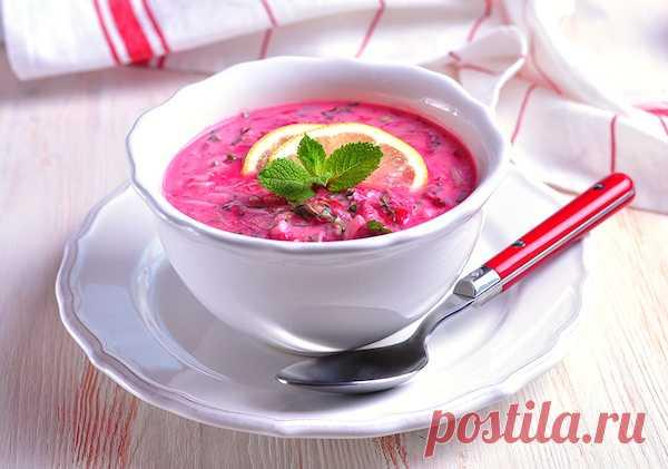 Шесть рецептов холодных супов для жаркого лета  Жаркий день – самое время для холодного супа, который прекрасно утоляет жажду. Его делают на хлебном или свекольном квасе, отваре из фруктов и ягод, молочных продуктах – простокваше, сыворотке, кефир…