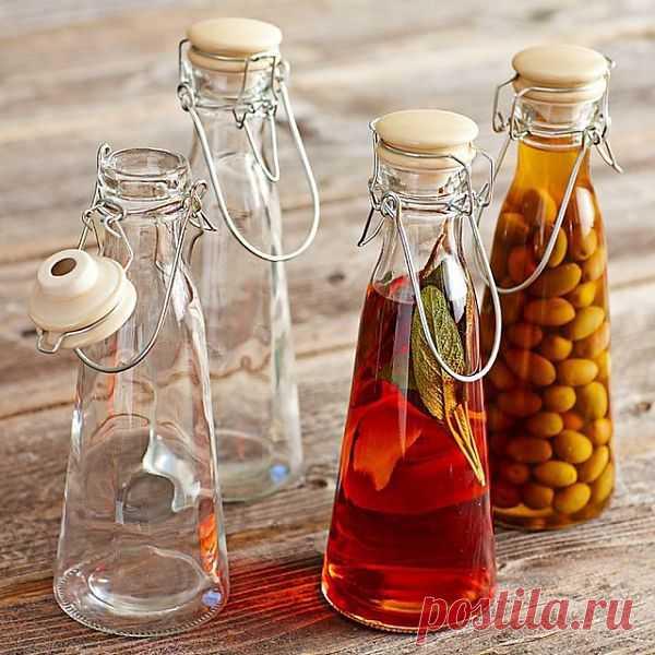 Винтажные бутылочки для разных жидкостей и масел. $30 USD