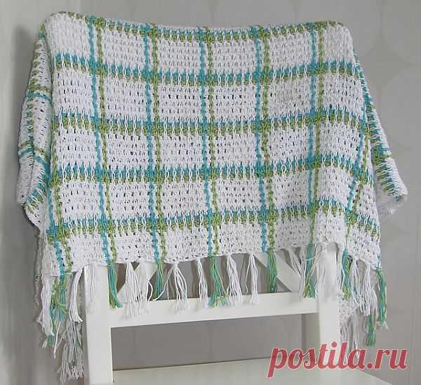Как украсить вязаное полотно крючком.