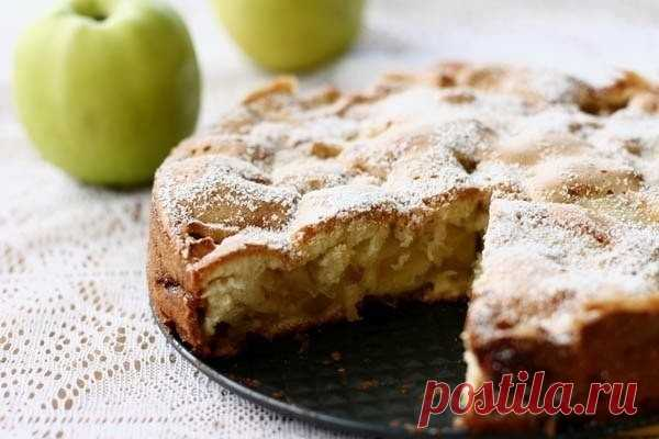Шарлотка яблочная