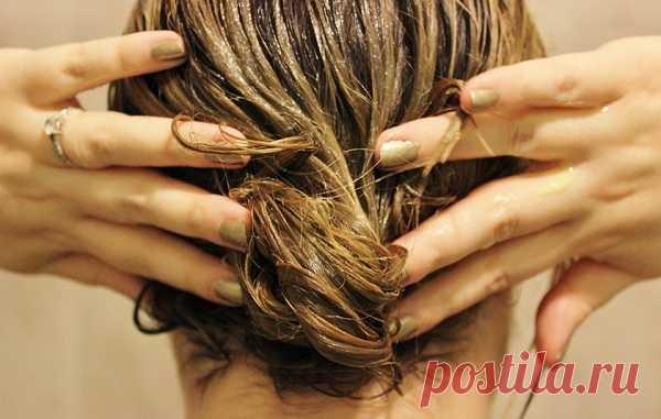 Маска для сумасшедшего роста волос. Не говори потом, что тебя не предупредили! - Советы и Рецепты  Восстановить волосыи придать им энергии для активного роста — то, чем стоит заняться немедленно! Волосы способны изменить облик человека. Имея ухоженную шикарную шевелюру, ты будешь производить чудесное впечатление на окружающих. Самое замечательное в этих двух рецептах — их невероятная доступность. Все ингредиенты ты без проблем найдешь на кухне! Отправляйся на поиски нужных составляющих и …