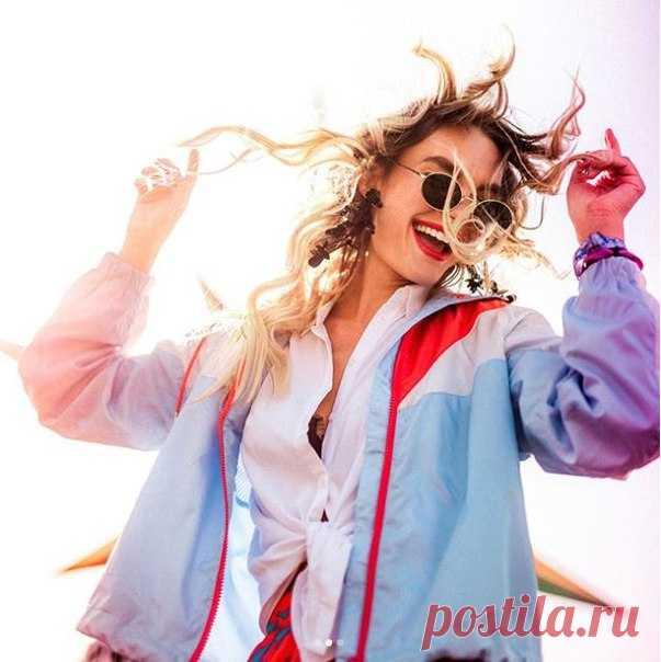 """""""Не позволяйте моде завладеть вами, решайте сами, кто вы, что вы хотите выразить своей одеждой и образом жизни"""", - Джанни Версаче #HM"""