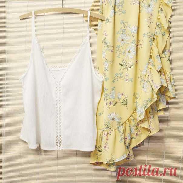 Этим летом чувствуйте себя легко и непринужденно благодаря женственным юбкам с цветочными узорами, которые так изящно сочетаются с очаровательными простыми топам. #HM