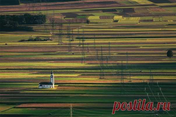 Рассвет в горах Словении. Автор фото – Дмитрий Купрацевич: nat-geo.ru/community/user/114912 Доброе утро!