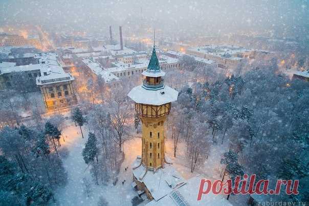 Водонапорная башня Политехнического университета, Санкт-Петербург. Автор фото — Станислав Забурдаев: nat-geo.ru/photo/user/294453/