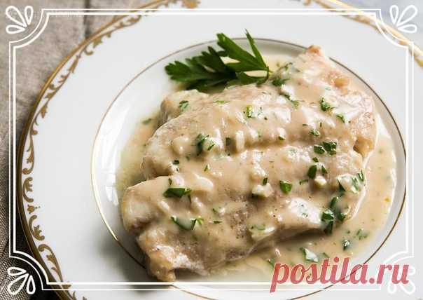 Запеченная рыба под сметанно-майонезным соусом (рецепт на скорую руку)  Ингредиенты: На 4 порции:  500 г филе трески. Показать полностью…