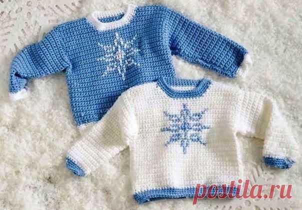 Детский пуловер со снежинками