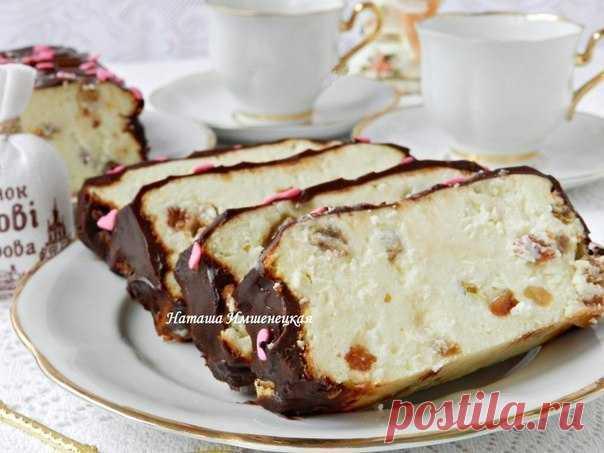 Этот сырник стал уже не только украинским, его готовят по всему миру    Львовский сырник- завтрак, который поднимет всем настроение!          500 г творога;3 яйца;150 г сахара;1 пакетик ванильного сахара;1 ст. л. картофельного крахмала;1 лимон;100 г изюма.Для шоколадно…