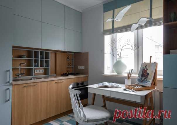 Отдельная, прямая кухня в современном стиле с накладной раковиной, плоскими фасадами, коричневым фартуком