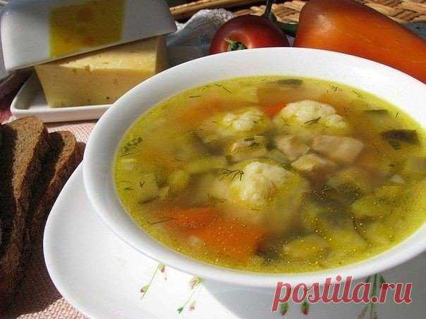 Сырные шарики. Быстрый болгарский суп  Волшебный суп - по временным затратам он приравнивается к экспресс-классу, по калорийности - истинно друг наших талий, а по вкусу - ну здесь еще все более однозначно - очень вкусно!Ингредиенты:- 1 кр…