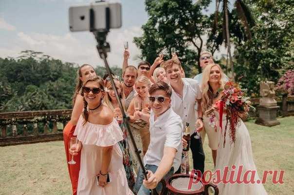 Планируешь яркую молодежную свадьбу? ✨ Тебе не обойтись без персонального хэштега! Создай уникальный хэштег в нашем бесплатном приложении ✏weddywood.ru/hashtag-generator