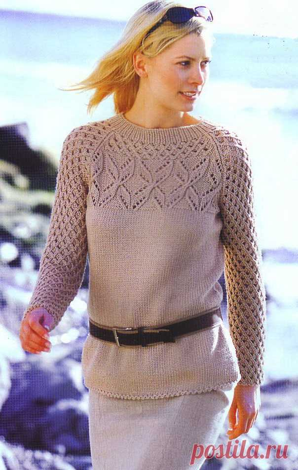 Бежевый пуловер покроя реглан спицами