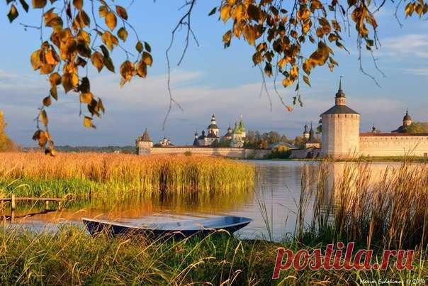Seversk lake, Kirillo-Belozersky Monastery. Author: Maxim Evdokimov