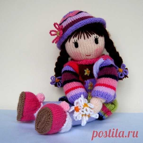 Очень красивые вязаные куклы