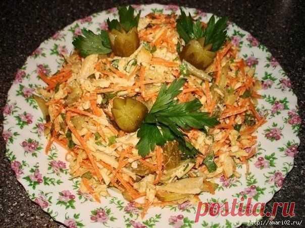 Салат с курицей и корейской морковкой ..