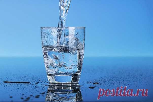 4 стакана воды после пробуждения — методика, не имеющая побочных эффектов  Сегодня это очень популярно в Японии — пить воду сразу после пробуждения каждое утро. Кроме того, научные исследования доказали ценность этого.Ниже публикуется перечень болезней, которые удается излечить или ослабить их течение, употребляя воду натощак.  Японцы — признанные долгожители, их здоровью искренне завидуют жители других стран.  Оказывается, тратить время на зависть — глупо, ведь прикоснуть...
