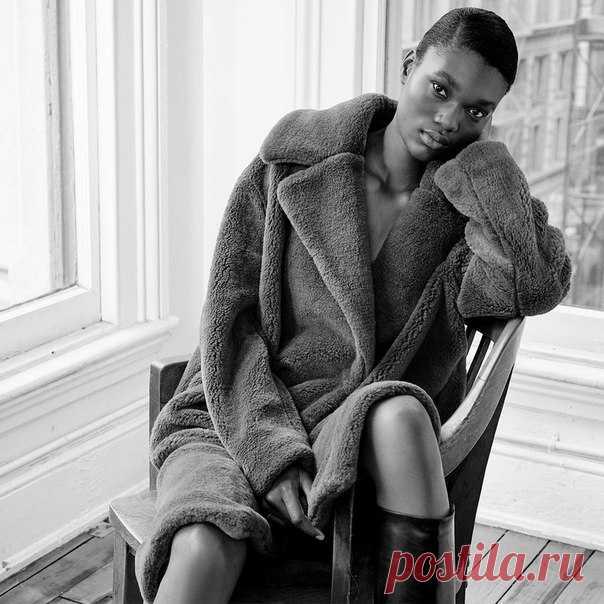 Еще один модный тренд сезона - пальто из удивительно мягкого и уютного искусственного меха. Взгляните на одну из наших любимых моделей! #HMMagazine