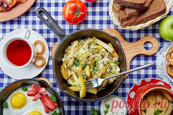 болтунья с жареным картофелем и зеленью / Всё за еду!