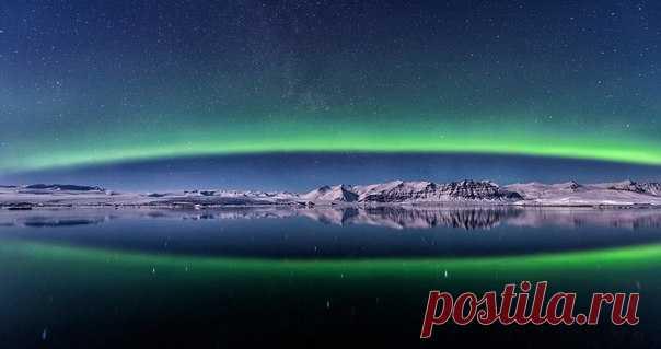 Рождение Авроры. Лагуна Йёкюльсаурлоун, Исландия. Автор фото — Alexander Zelinskiy: Спокойной ночи.