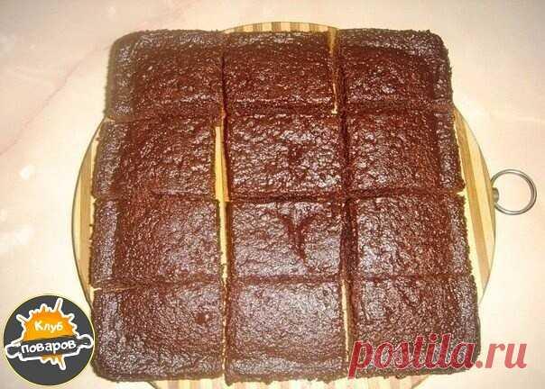 ¡Hasta que el pastel insólito!\u000a\u000aLos ingredientes y la preparación:\u000a\u000a1 art. de la leche;\u000a1 art. del azúcar;\u000a1 vaso del aceite vegetal refinado;\u000a4 art. de l. El cacao (con la parte superior).\u000a\u000aTodo ingridienty mezclar por el mezclador.\u000aLa mezcla dividir en dos partes. En una mitad añadir:\u000a\u000a2 huevos;\u000aEl azúcar de vainilla por gusto;\u000a1 art. del tormento;\u000a1 art. de l. El cilindro rompedero.\u000a\u000aTodo mezclar por el mezclador. La forma aceitar, verter la mezcla, que con el tormento y cocer en el horno, calentado hasta grados 180, ~ 20-25 minutos la Preparación comprueben...
