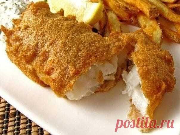 6 рецептов кляра для рыбы  1. Рыба в сырном кляре Рыба в этом кляре получается очень вкусная и достаточно сытная. филе рыбы – 200 г; майонез – 3 ст. ложки; яйцо – 4 шт.; твердый сыр – 100 г.  Приготовление:  Способ приготовления рыбы в кляре достаточно простой. Сыр натираем на крупной терке, смешиваем с яйцами и майонезом. Все тщательно перемешиваем, добавляем соль, перец и муку. Все снова перемешиваем. Берем филе рыбы, режем на небольшие кусочки, обмакиваем каждый в сырны...