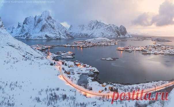 Rhine after night snowfall. Lofotena, Norway. The author of a photo is Vladimir Kushnarev: nat-geo.ru\/photo\/user\/119710\/