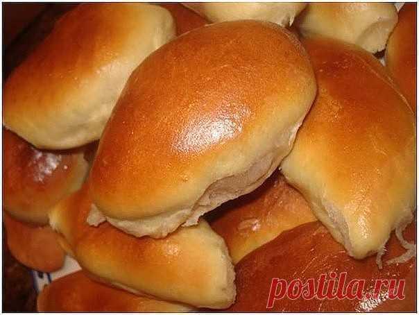 ХОЗЯЮШКАМ НА ЗАМЕТКУ: БОЛЕЕ ДЕСЯТИ РЕЦЕПТОВ ПИРОЖКОВ Пирожки мягенькие Тесто замечательное - мягкое, нежное, воздушное. Просто очень вкусное. Это тесто подходит к любой начинке.  Ингредиенты: мука - 600 гр сахар-песок - 4 ст.л. яйца - 2 шт. маргарин - 50 гр (можно заменить слив. маслом) молоко - 250 мл (можно заменить водой + сух. молоко 2 ст.л.) соль - 1 ч.л. дрожжи - 2 ч.л. (сухие) ванилин - 1 ч.л. (можно и без него) Начинка - какая Вашей душе угодна!  Пирожки без хлопот...
