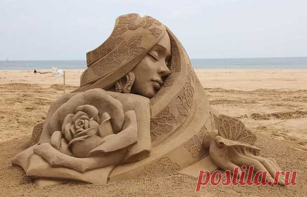 Шедевр из песка! Оценим?