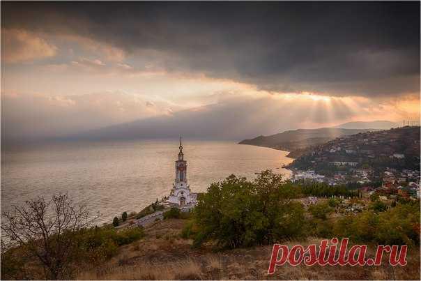 Храм-маяк Святого Николая Чудотворца, село Малореченское. Автор фото: Ольга Максимова.
