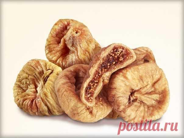 Сухие плоды инжира отлично укрепляют волосы. Измельчите 2-3 сухих плода инжира. В отдельную эмалированную посуду влейте 1 стакан молока, положите инжир в молоко, тщательно все перемешайте и поставьте на огонь, закрыв крышкой. Когда смесь закипит, убавьте огонь до минимума и доведите при слабом кипячении состав до образования однородной массы. Остудите смесь. Часть её вотрите в корни, остаток распределите по всей длине. Оставьте состав на 20-30 минут, укутав голову махровым...