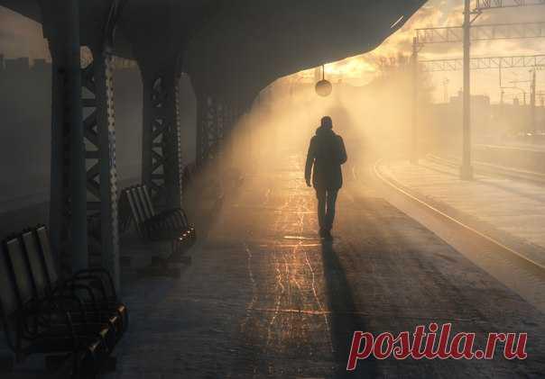 «Тени исчезают в полдень». Витебский вокзал, Санкт-Петербург. Автор фото – Александр Атоян: nat-geo.ru/photo/user/116552/