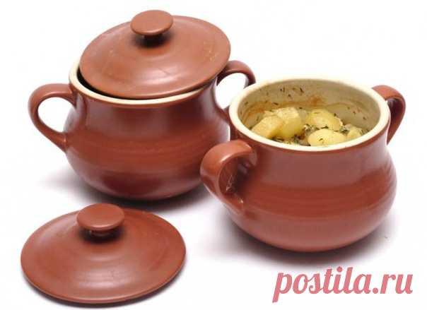 Чонахи Ингредиенты: свинина - 500 г, картофель - 500 г, грибы любые - 300 г, лук - 1 шт., бульон мясной - 0,5 л, мука - 2 столовые ложки, подсолнечное масло, соль, перец, специи по вкусу.  Приготовление  Чистим картошку, режем ее мелкими дольками и слегка обжариваем в подсолнечном масле. Добавляем туда нарезанные небольшими кусочками грибочки и мелко нарезанную луковицу. Слегка припускаем все это великолепие на сковородке.  Режем кубиками свинину и обжариваем на отдельной ...