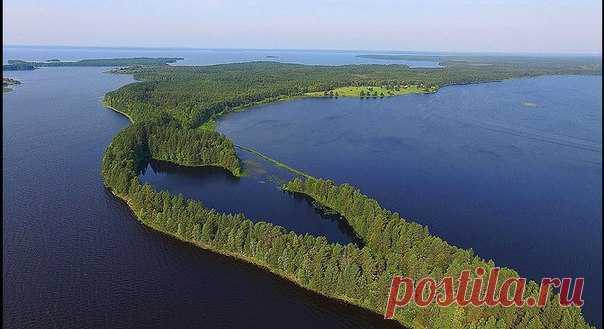 Карелия – это 27 тысяч рек и 60 тысяч озер, в числе которых крупнейшие в Европе Ладожское и Онежское. Команда «NG-Россия» вместе с BMW побывала в путешествии по карельской земле и теперь рассказывает, как это было.