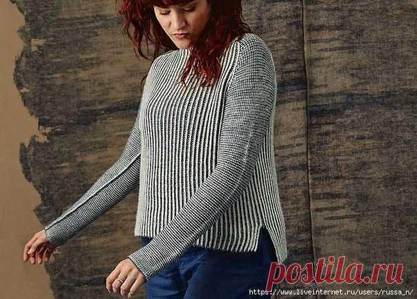 Пуловер Luna от Anna Strandberg  Размеры: Окружность груди готового изделия – 92 (103.5, 113, 124.5, 136.5) см с припуском 15-20 см для свободного облегания.  Необходимые материалы: Пряжа Dandelion Yarns Rosy Sport (100% шерсть; 320 м / 100 грамм в мотке) – 2 (2, 3, 3, 3) мотка светлого цвета (нить А) и 2 (2, 3, 3, 3) мотка темного цвета (нить В).  Необходимые инструменты: Круговые спицы № 3.5 и № 3 длиной 80-100 см и № 3, маркеры петель, держатели петель.  Плотность вязан...