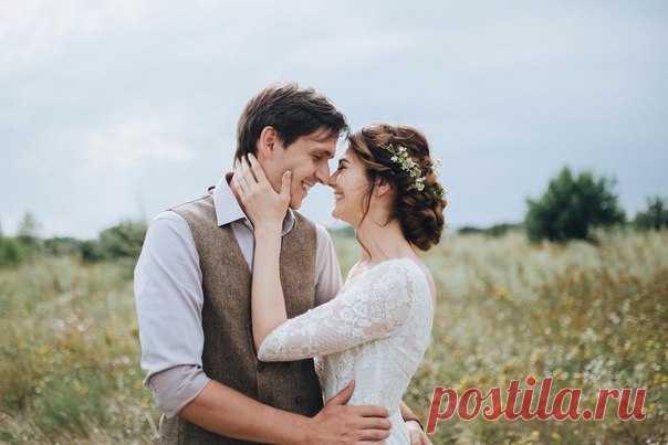 """Свадьба в деревне - это особое семейное и """"домашнее"""" настроение, это неповторимый аромат полей и лесов, это ненавязчивая атмосфера уюта, в которой тепло и комфортно каждому гостю. Вся серия:"""