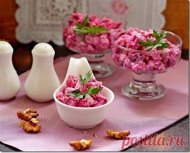 Полезно и очень вкусно: свекольный салат с курицей на 100грамм - 130.69 ккалБ/Ж/У - 11.72/7.19/4.84   Ингредиенты: Свекла 4 шт. (400 г) Показать полностью…
