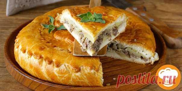 Пирог с мясом и картошкой!  Сытный, ароматный и очень вкусный пирог аля-курник. Ингредиенты: Для тecта: Показать полностью…
