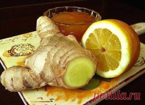 Чай, который растопит все килограммы... Не поленитесь, результат вас не заставит ждать) 1.5 л. кипятка. 2 ст. л. крупно нарезанного свежего имбиря. 1 дес. ложка листового зеленого чая. 2 ст. л. сока свежего лимона. 1 дес. л. свежего меда. Мята по желанию, но именно она смягчает остроту имбиря  1. Имбирь нарезать крупно 2. В термосе соединить все ингредиенты и залить кипятком, п