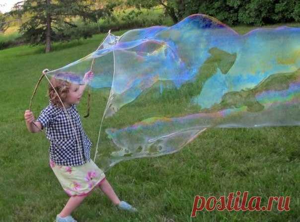 Как сделать гигантские мыльные пузыри — Поделки с детьми