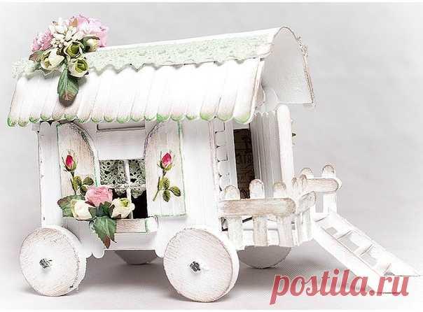 Домик на колёсах из картона и палочек от мороженого