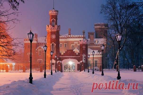 Дворец Ольденбургских, посёлок Рамонь. Автор фото — Денис Бычков: