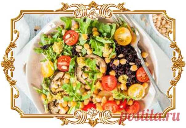 Будда-боул с нутом и черным рисом / Buddha bowl (рецепт вегетарианский, и постный, и диетический, и без глютена)  Будда-боул - почти идеальный обед или ужин со сбалансированным составом. Такое блюдо можно включить в вегетарианское или постное меню, подойдёт оно и для тех, кто придерживается безглютеновой или безлактазной диеты.  Время подготовки: 13 ч. Показать полностью...