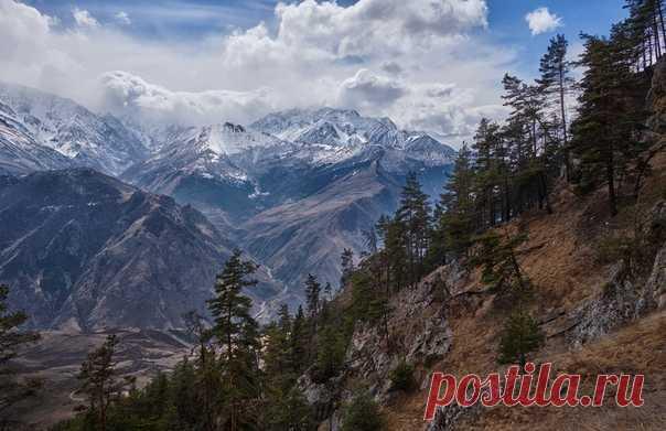 Горы Северной Осетии. Автор фото – Soslan Gassiev: nat-geo.ru/photo/user/357835/