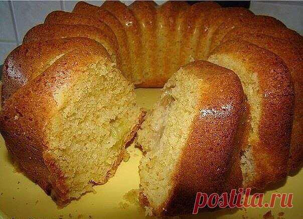 Pastries on kefir: TOP-8 recipes\u000a\u000a1. TASTY DOUGHNUTS ON KEFIR\u000a\u000aIngredients:\u000a\u000a1,5 St of flour\u000a1 St of kefir\u000a1 egg\u000a3 tablespoons of butter\u000a2-3 tablespoons of sugar\u000a1\/3 h spoon of soda\u000a1\/4 h spoon of salt\u000avegetable oil for hot fan\u000a\u000aPreparation:\u000a\u000aKefir is mixed with soda and we allow to stand 5 minutes. We shake up egg with salt and sugar and we connect to kefir. Gradually we mix flour and we knead dense dough. We add the kindled oil to dough and again we knead. In a bucket razog...