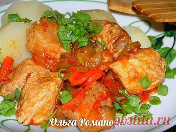 Блюдо невероятной вкусноты: Свинина тушеная с солёными огурчиками и овощами