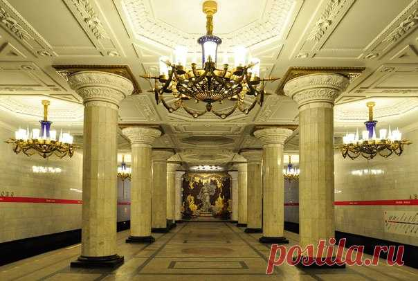 The audioguide on the subway and stations of St. Petersburg