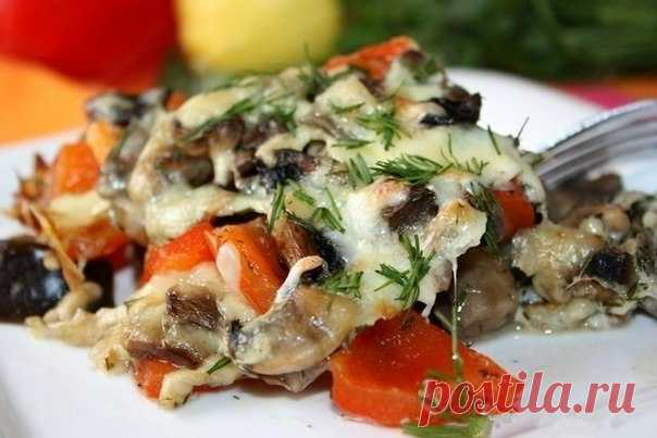 Запеченные баклажаны с грибами и перцем в нежной сливочной заливке и сырной корочкой! Объедение!